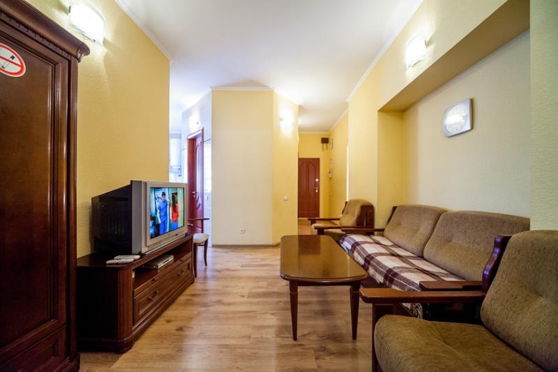 ????????? 7/12 - 3rooms center of Kiev,Basseynaya, near Khreschatyk - Ukraine - rentals