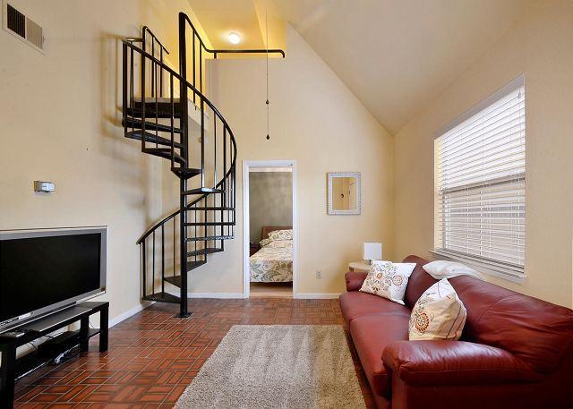 Hip Pad - 2BR/1BA Fantastic Downtown Condo - Austin - rentals