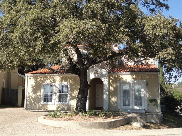 Main entrance crowned by a beautiful tree - Mediterranean House, Excellent Location, Furnished - San Antonio - rentals