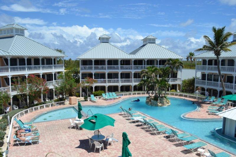 One of 3 pools, swim up bar - Grand Cayman Paradise - Cayman Islands - rentals