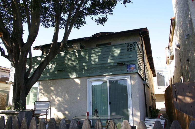 820 island Ct- Exterior 1 - Bayside Chic Tropical 3 Bedroom, 2 bath, Sleeps 8 - Pacific Beach - rentals