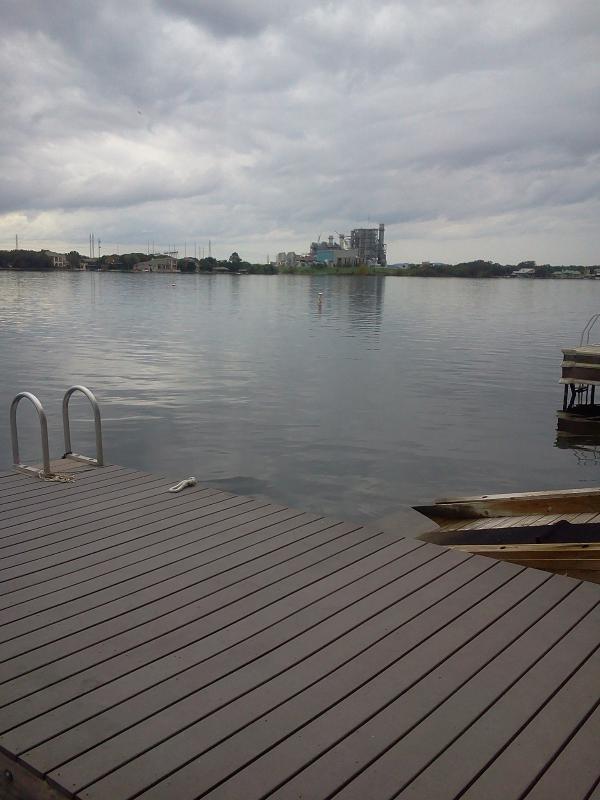 Out back door-10ft Deep off Patio/Deck - GREAT WATERFRONT-SPECIALS $2K Wks/$1,500 Wends - Horseshoe Bay - rentals