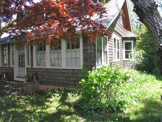 Oak Bluffs Vintage Bungalow! (Oak-Bluffs-Vintage-Bungalow!-OB514) - Image 1 - Martha's Vineyard - rentals