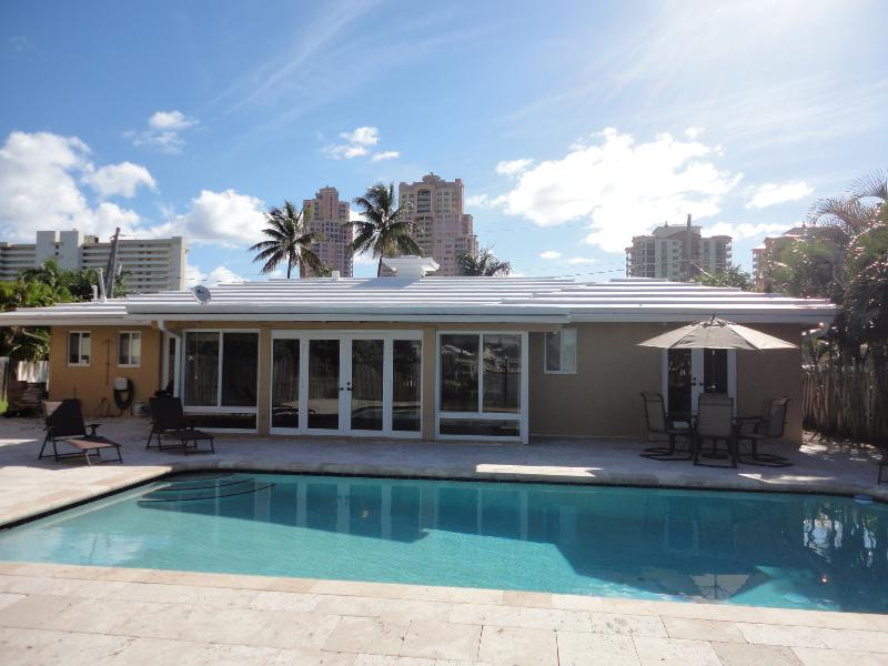 Welcome Home - Waterfront Home with Pool and Dock Steps to Beach - Fort Lauderdale - rentals
