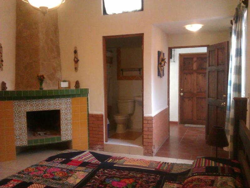 "Apt Entrance, bath and fireplace - Quite Apartment we call ""Agua"" - Ciudad Vieja - rentals"