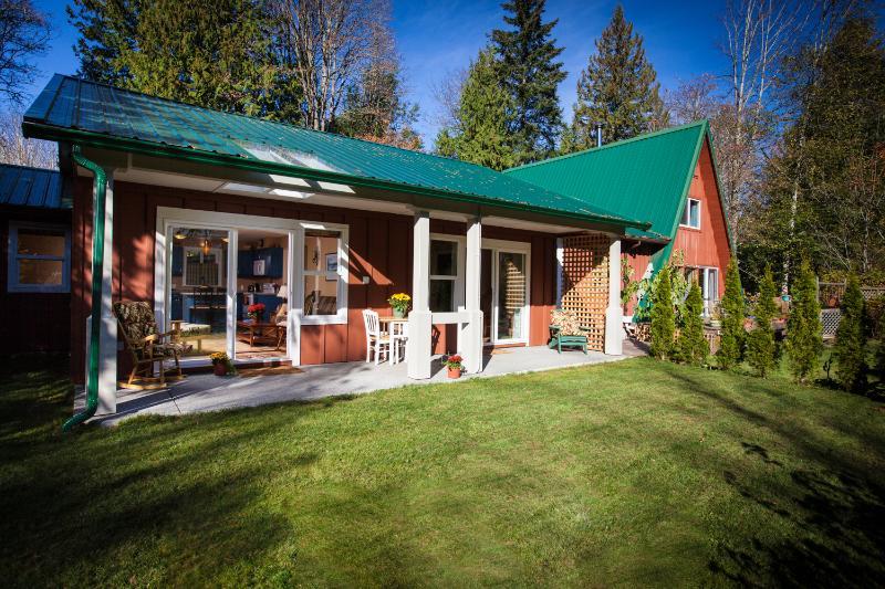 Copper Fern Sundeck - Copper Fern Guest House - Courtenay - rentals