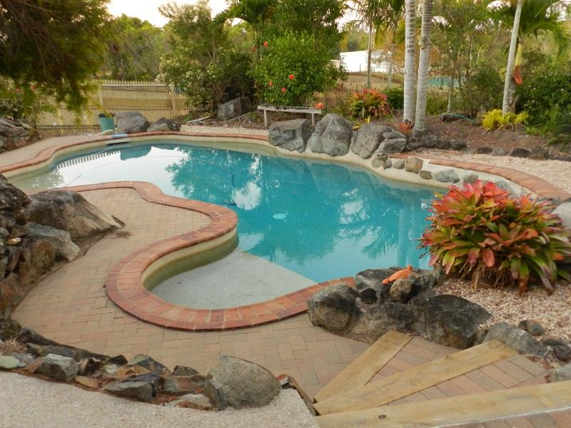 Cool off in the resort-style pool - Hay Point Country Bed and Breakfast - Hay Point - rentals