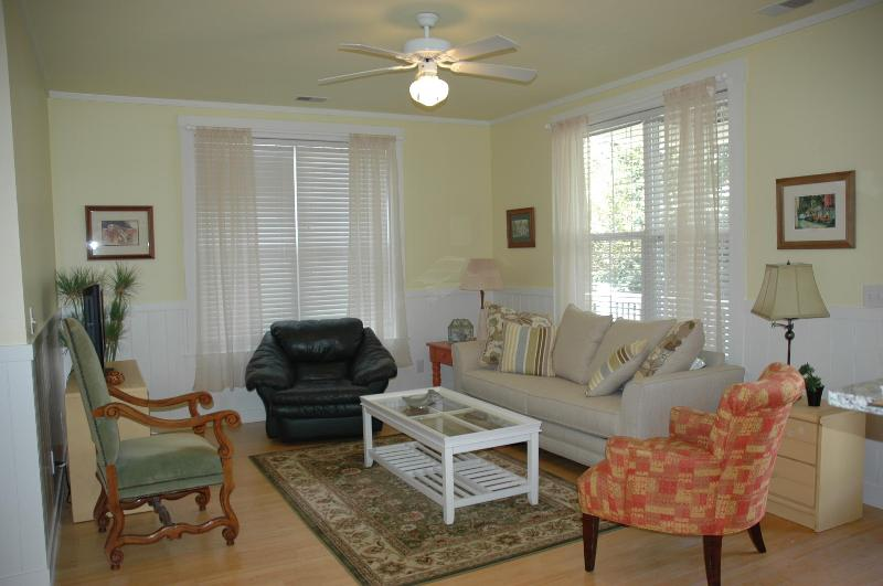 Close To The Edge 'Charming, Quiet, Comfortable' - Image 1 - Charleston - rentals