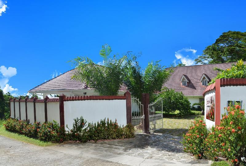 main entrance - Ixora Villa self catering establishment - Anse Royale - rentals
