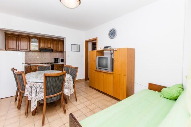 Apartments Šima - 32091-A1 - Image 1 - Vinisce - rentals