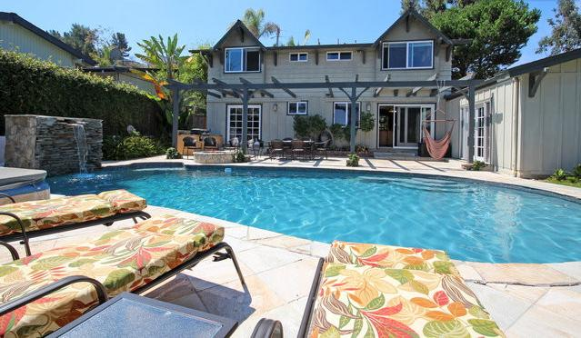 Pool and back of house - Solar Luxurious Home w/Pool & View  Gt Location! - La Jolla - rentals