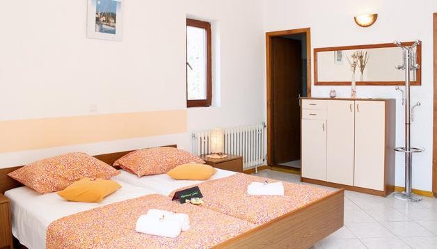 Apartment Lusic 1 - Image 1 - Hvar - rentals