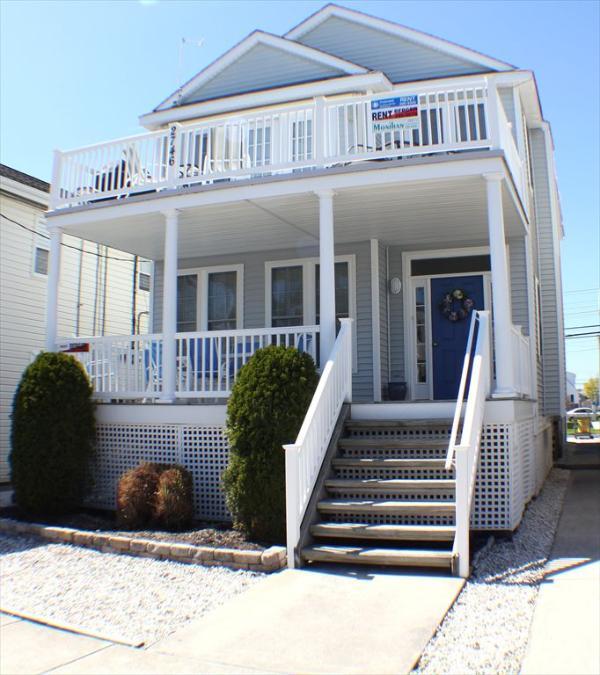 2nd Floor - 3 Bedrooms, 2 Full Bathrooms & Rooftop Deck - 2746 Asbury 2nd 116234 - Ocean City - rentals