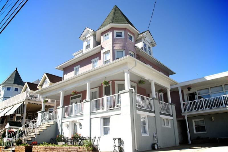 The Victorian Inn A 113681 - Image 1 - Ocean City - rentals