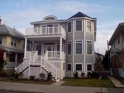 1627 Central Avenue 2nd Floor 2420 - Image 1 - Ocean City - rentals