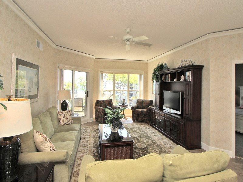 Living Room at 5403 Hampton Place - 5403 Hampton Place - Palmetto Dunes - rentals