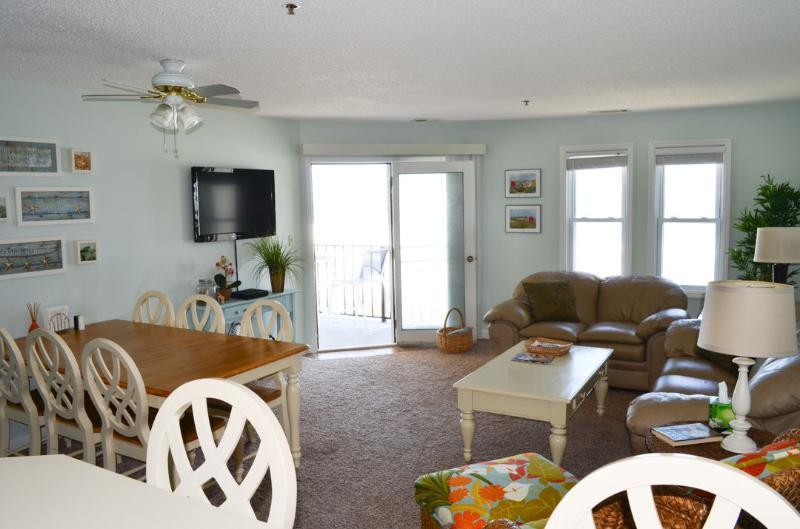 Living Area - Villa Capriani 215-A -2BR_6 - Sneads Ferry - rentals