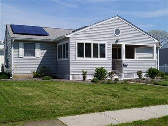 SHORT WALK TO BEACH AND TOWN 21844 - Image 1 - Cape May - rentals