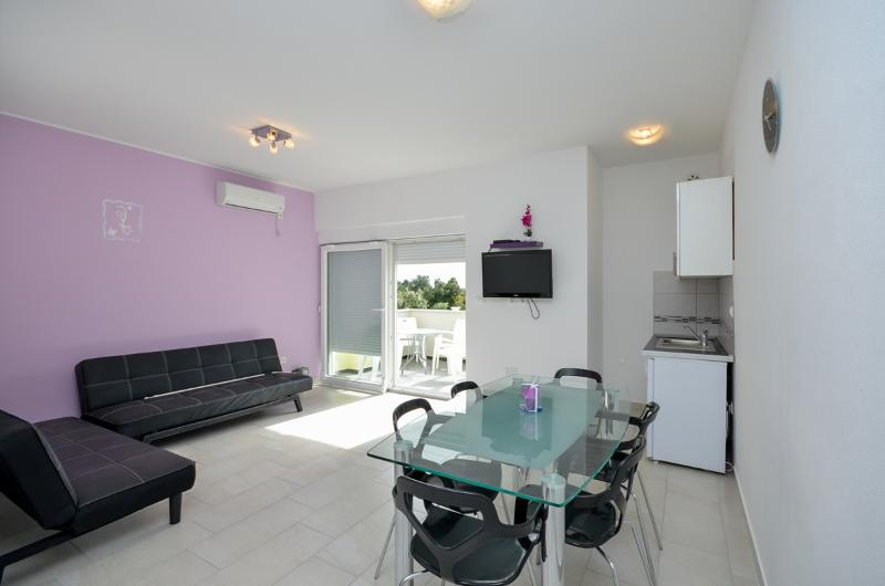 Apartment Jadranka - 29181-A1 - Image 1 - Brodarica - rentals