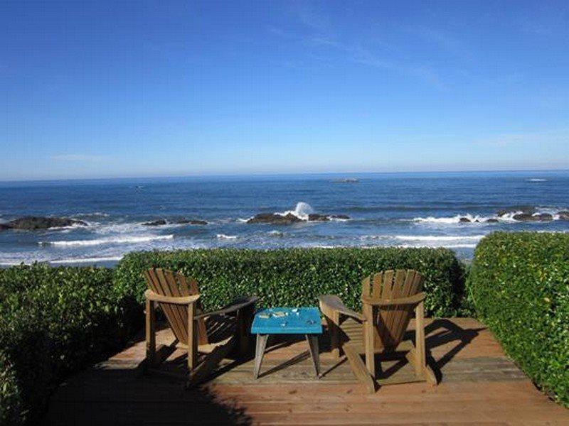 Great Escape - Back Deck Sitting Area - GREAT ESCAPE - Seal Rock - Seal Rock - rentals