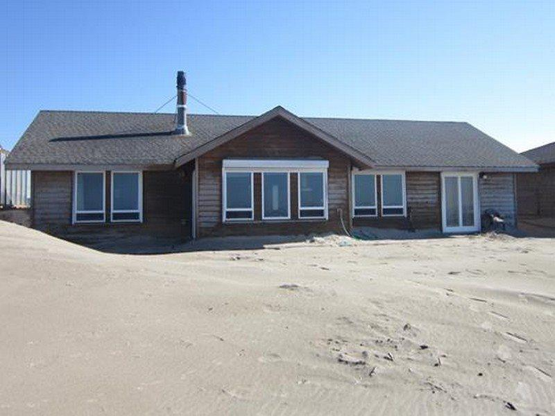 Casa de la Playa - View from the shoreline - CASA DE LA PLAYA - Waldport, Bayshore - Waldport - rentals