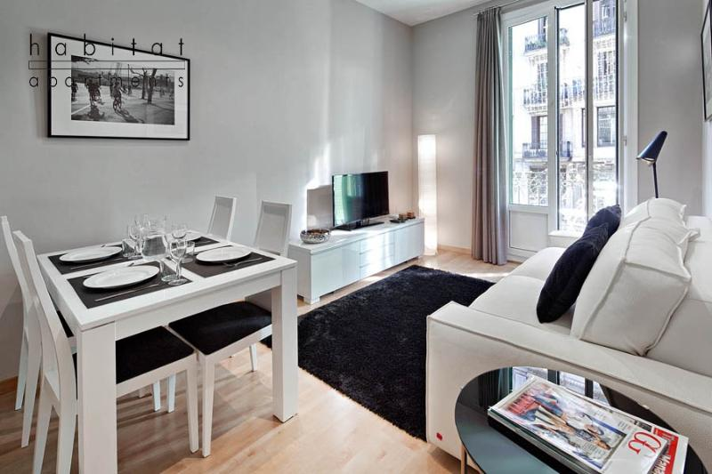 Batlló Balconies apartment - Image 1 - Barcelona - rentals