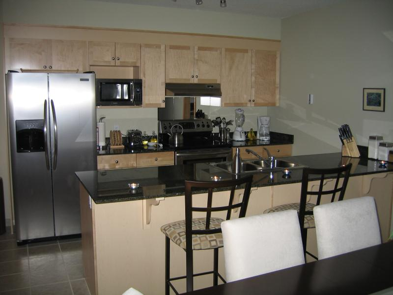 Kitchen - Canmore Escape - Canmore - rentals