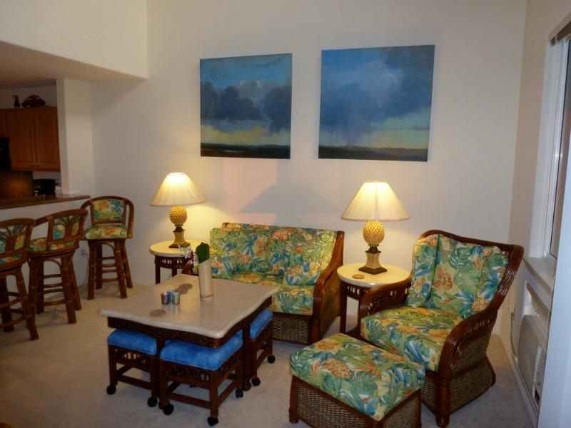 Living room - Don't miss the game table - Alii Cove's Best Ocean View-Walk to Town & Beach - Kailua-Kona - rentals