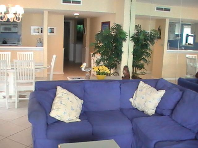 Living Area - Oceanfront 3 Bedroom Vacation Rental with a Pool, Balcony, Grill, Myrtle Beach - Myrtle Beach - rentals