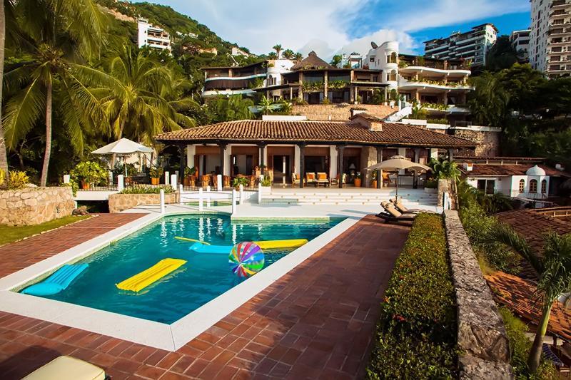 Beautiful Beachfront Villa 10mins from Romantic Zone - Image 1 - Puerto Vallarta - rentals
