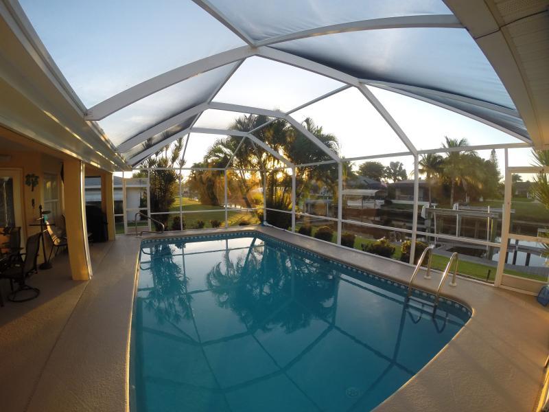 Sunrise on the lanai - so nice to wake up to ! - Villa Leonardo - Cape Coral - rentals