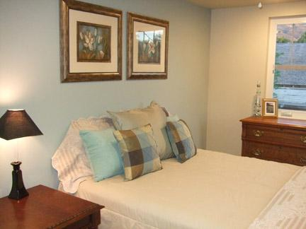 Master queen bed room - Charming Historic Cedar City Home - Cedar City - rentals