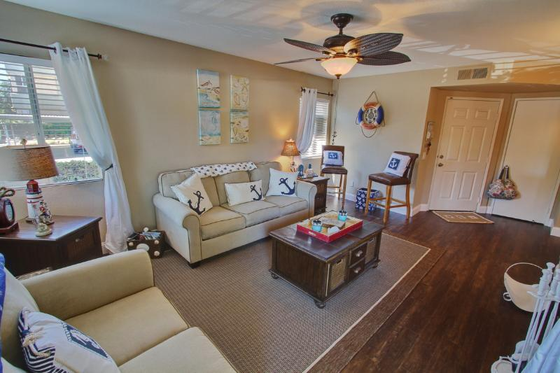 light and bright living room - Ritz Pointe, Dana Point, Laguna Beach, and More! - Dana Point - rentals