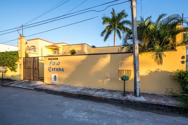 Casa Corona - Convenient Location, Pool, One Level - Image 1 - Cozumel - rentals