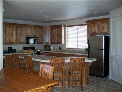 Spacious beautiful kitchen with everything you need for your cooking and dining in needs - # 2111 Las Palmas - Saint George - rentals