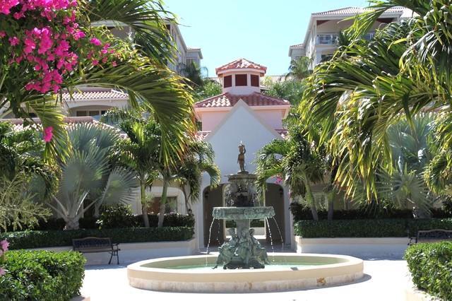 Entrance Court yard - La Vista Azul studio plus - Providenciales - rentals