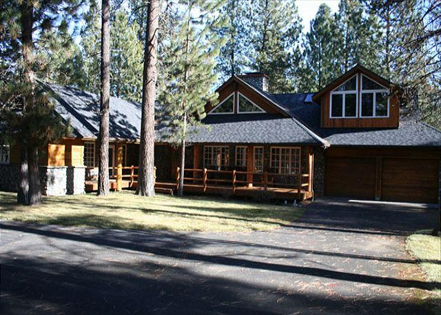 Front - Luxurious Sunriver Home in Wooded Surrounding and 3 Masters on North End - Sunriver - rentals