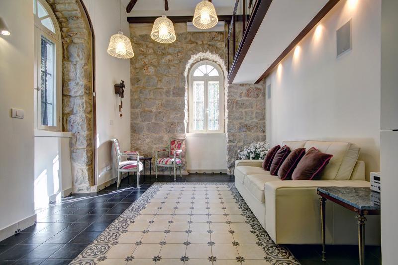 Best Location 5 Stars Templer Apt German Colonny - Image 1 - Jerusalem - rentals