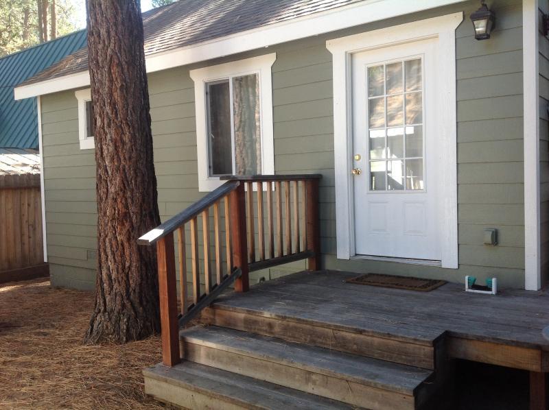 Studio Guest Cottage - Image 1 - Stateline - rentals