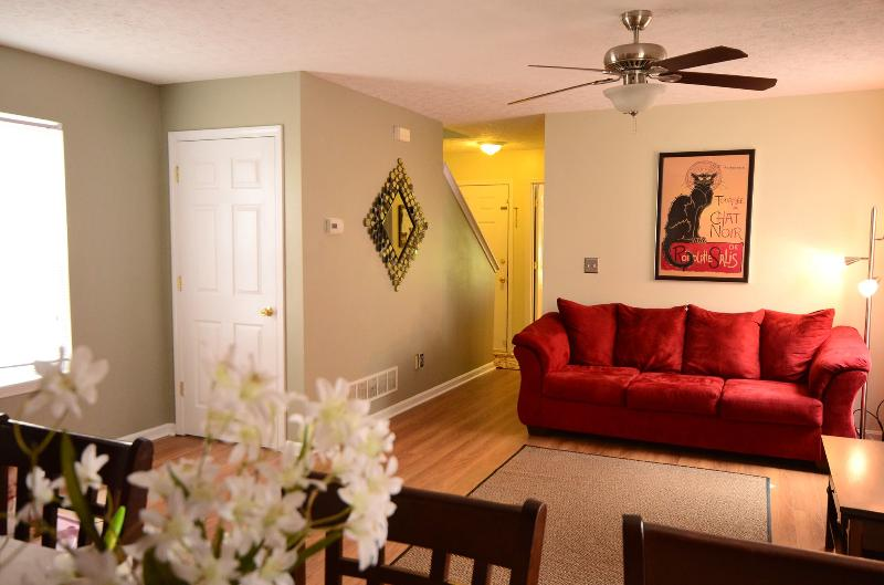 Open living / kitchen floor plan makes the perfect environment for family gatherings - Your home away from home ~  In Louisville, Ky - Louisville - rentals