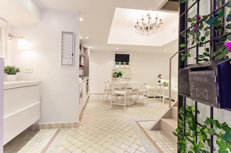 Your Luxurious Loft in Trastevere x 6 - Image 1 - Rome - rentals