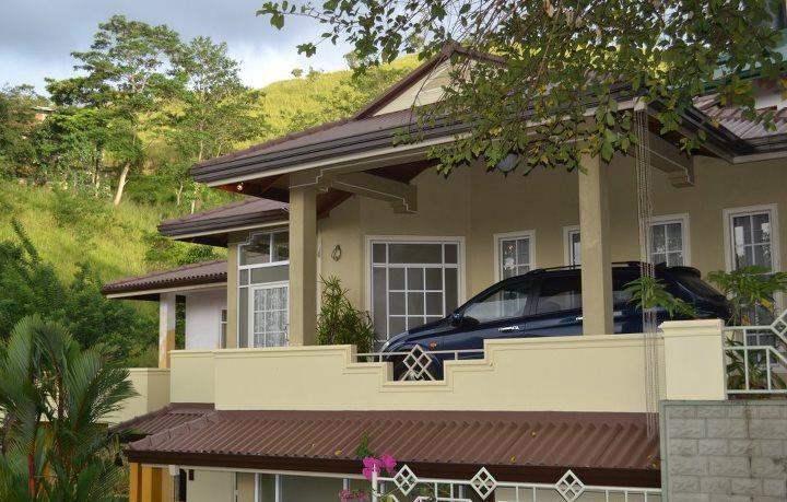 04 BR Luxury Bungalow in Kandy - Image 1 - Kandy - rentals