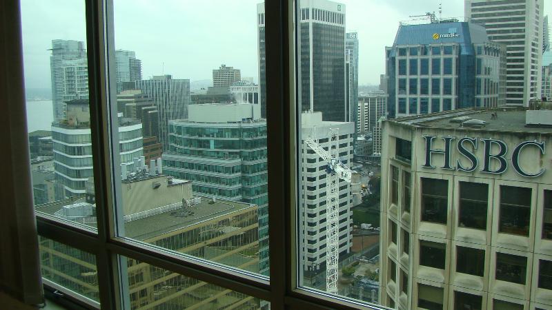 *AMAZING 30th Flr ONE BDR+ DEN+SOLARIUM DOWT VAN* - Image 1 - Vancouver - rentals
