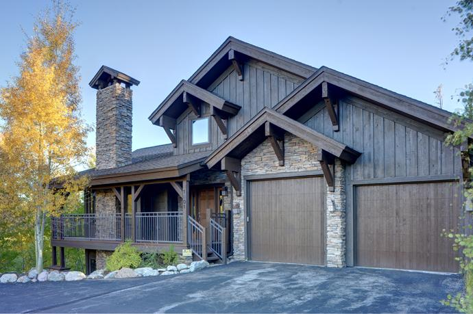 The Aspen Grove 4 Bedroom + Loft private home in the Eagles Nest golf course community - Private Luxury ~ Hot Tub, Pool Table, Gym, Theater - Silverthorne - rentals