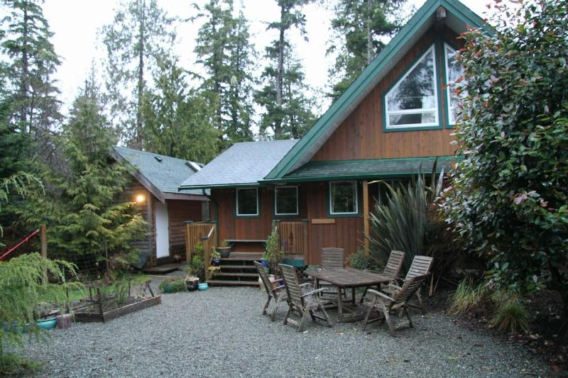 JensenView House - main entrance - JensenView House and Suite, Tofino - Tofino - rentals