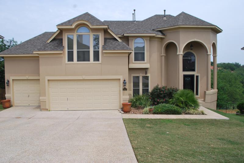 Front view - SAN ANTONIO TX, STONE OAK , Luxury Home - San Antonio - rentals