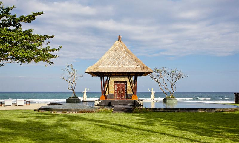 Grand Ocean Luxury Beachfront Villa - Image 1 - Gianyar - rentals