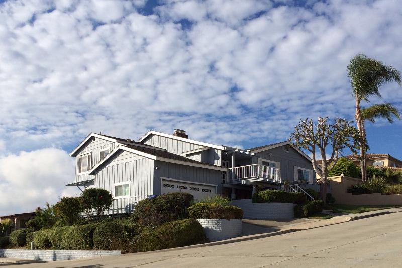 Beautiful Bay Park Home with easy 2 car attached super clean garage with direct access to the house. - Tim's Ocean/Bay View Retreat - All New - 2015 - Pacific Beach - rentals