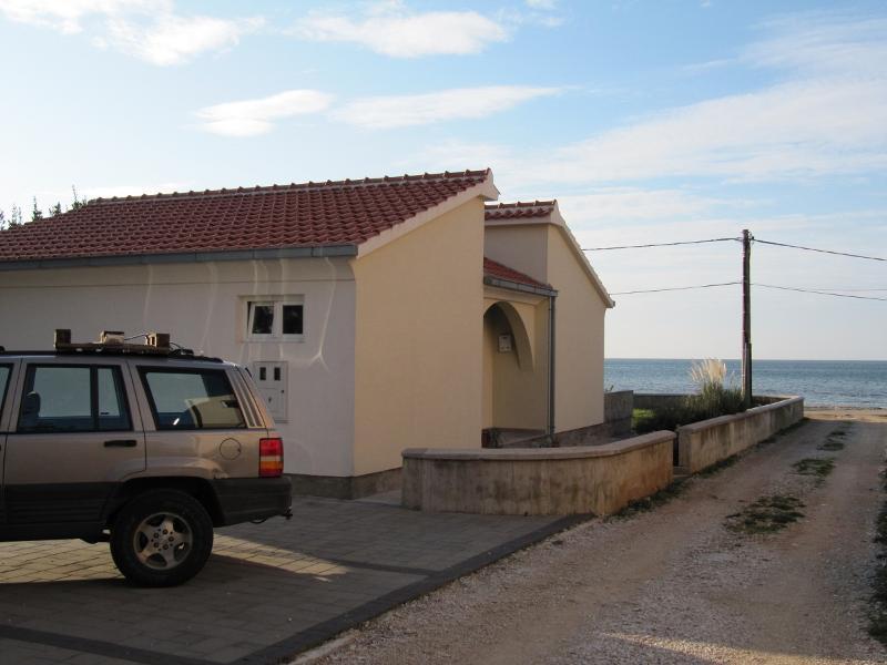 Beachhouse, Zaton Croatia - Image 1 - Zaton (Zadar) - rentals