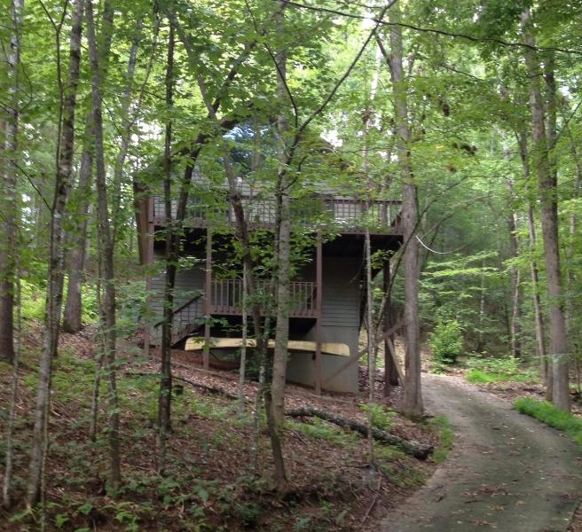 View from bottom of the driveway - Hideaway Chalet - Murphy - rentals